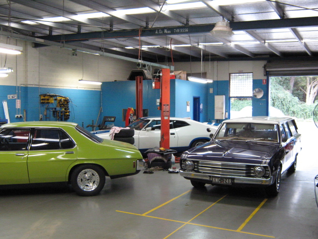 holden-v-valiant-v-ford.jpg